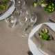 Dukat bord i naturellt linne